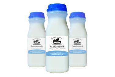Paardenmelk in handzame flesjes van 250ml.